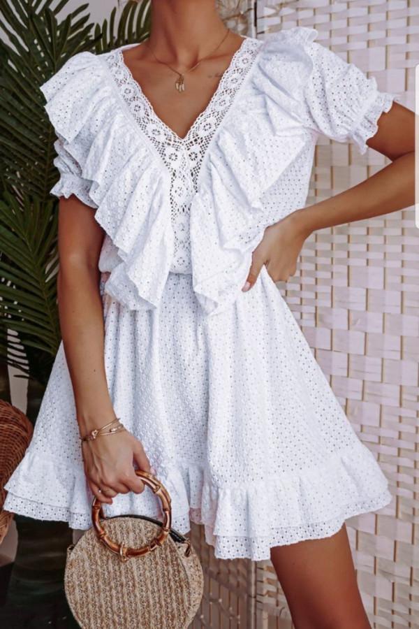Ażurowa biała sukienka III