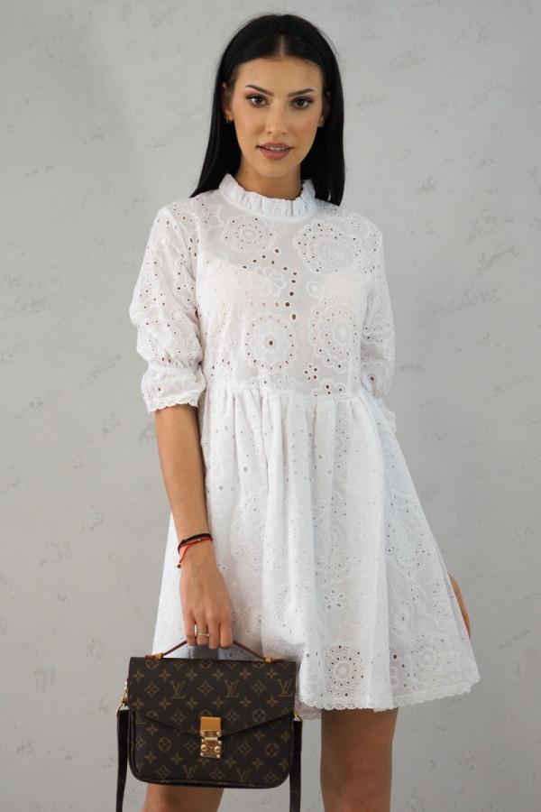 Ażurowa biała sukienka w kwiatki