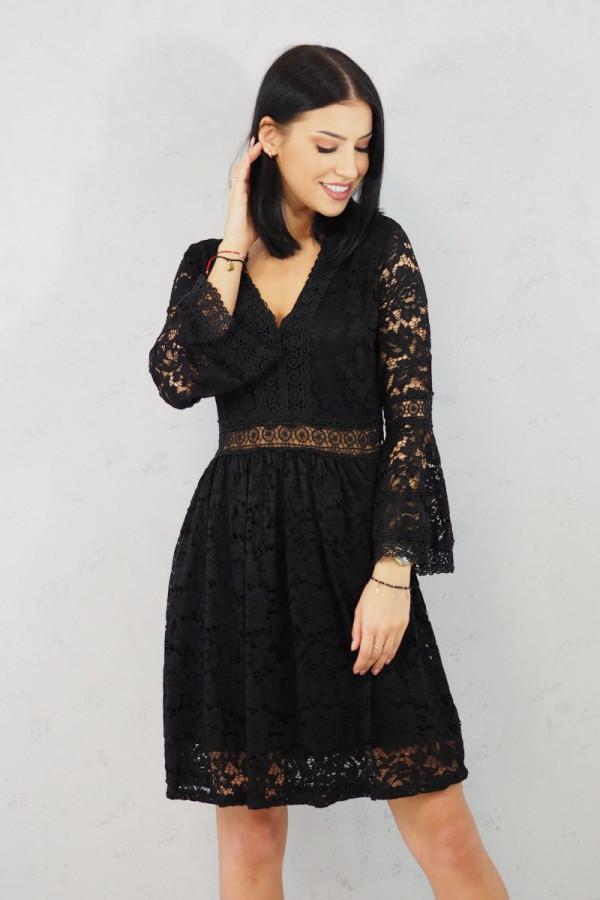 sukienka czarna koronkowa luka