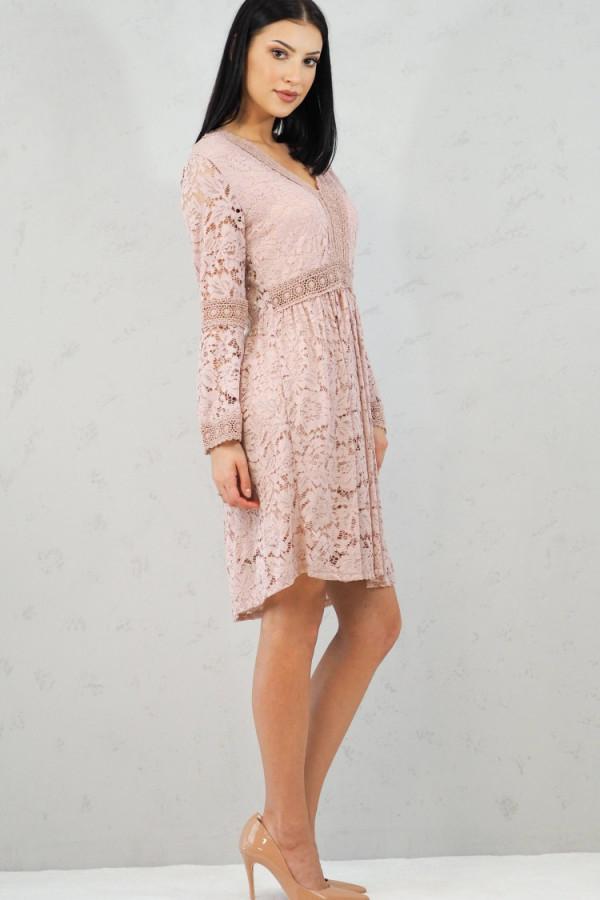 sukienka różowa koronka 1