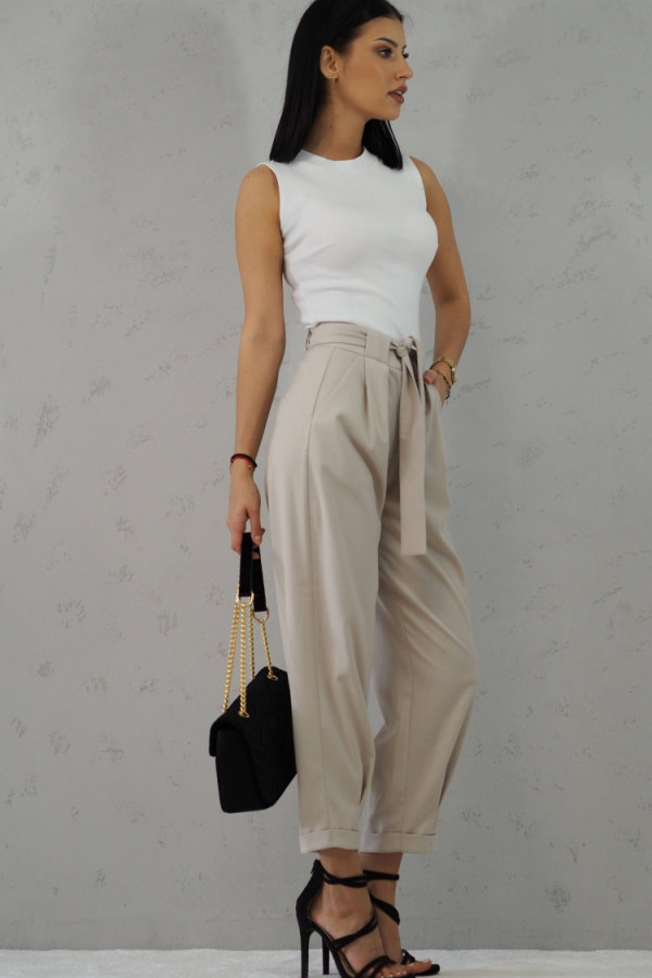 Beżowe Spodnie z paskiem III