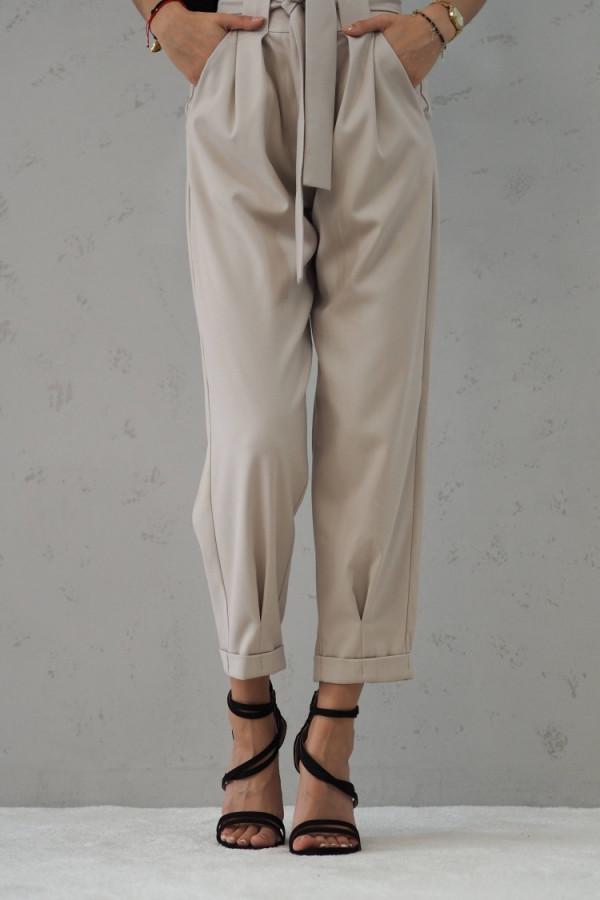 Beżowe Spodnie z paskiem III 9