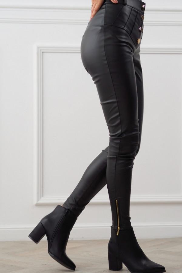 czarne spodnie woskowane z guzikami 8