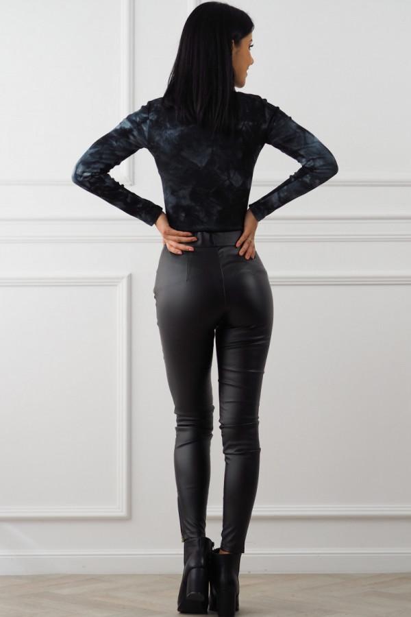 czarne spodnie woskowane z guzikami 9