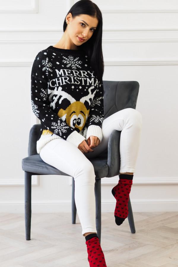 Świąteczny czarny sweter z reniferem 3