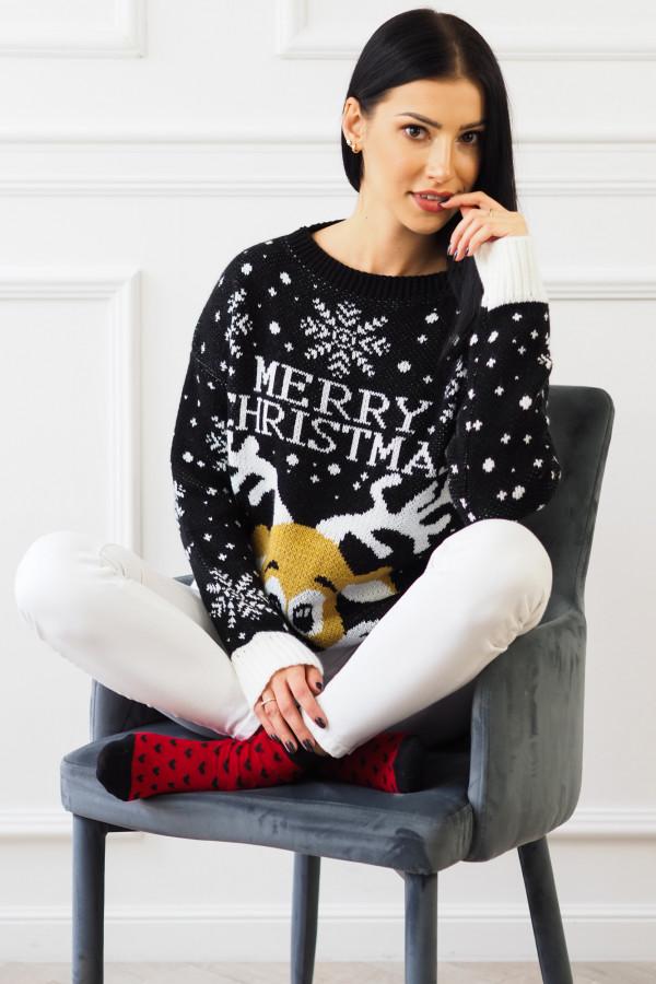 Świąteczny czarny sweter z reniferem 4