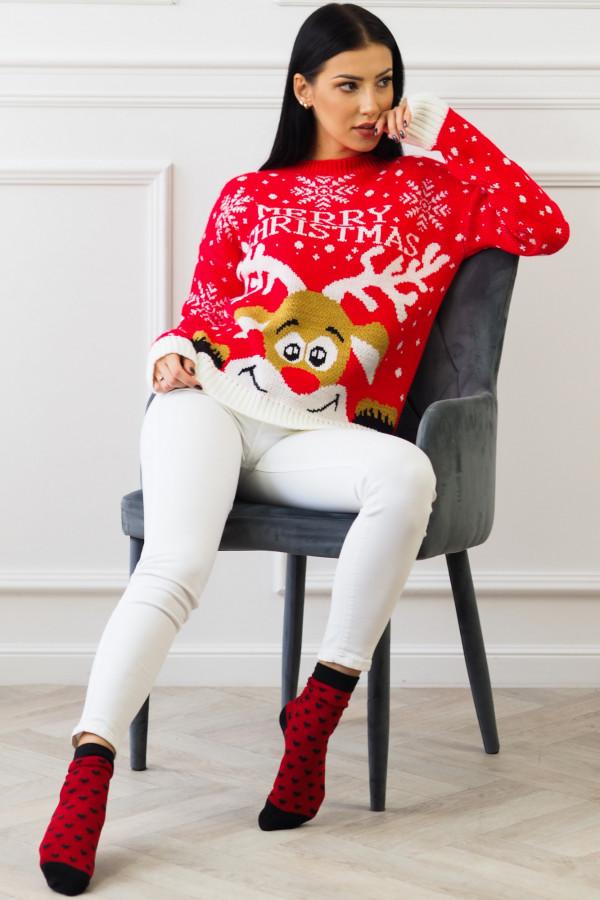 Świąteczny czerwony sweter z reniferem 1
