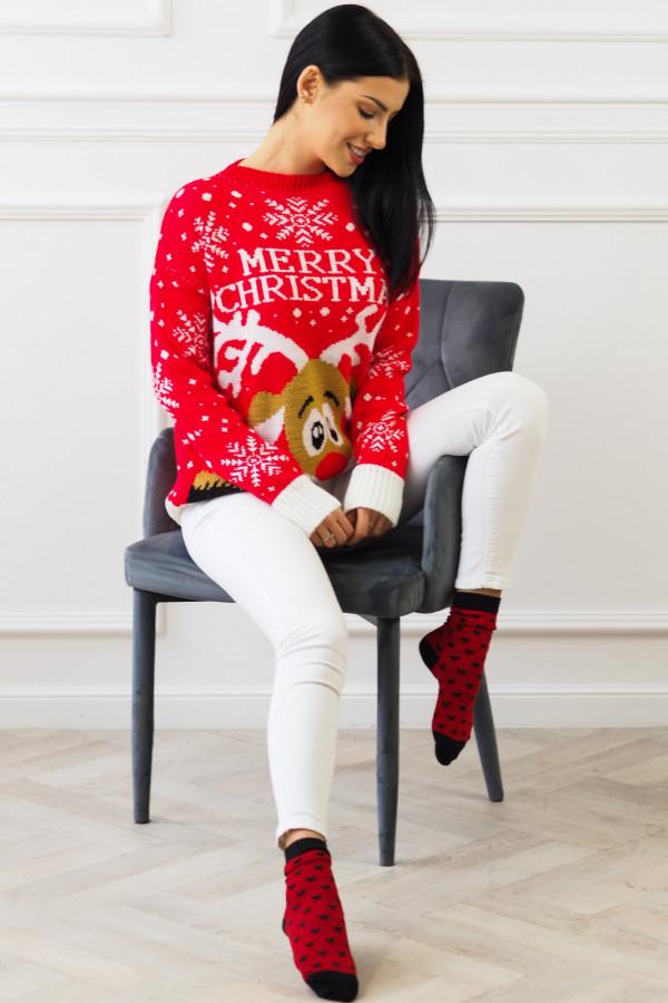 Świąteczny czerwony sweter z reniferem 2