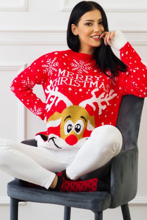 Świąteczny czerwony sweter z reniferem 4