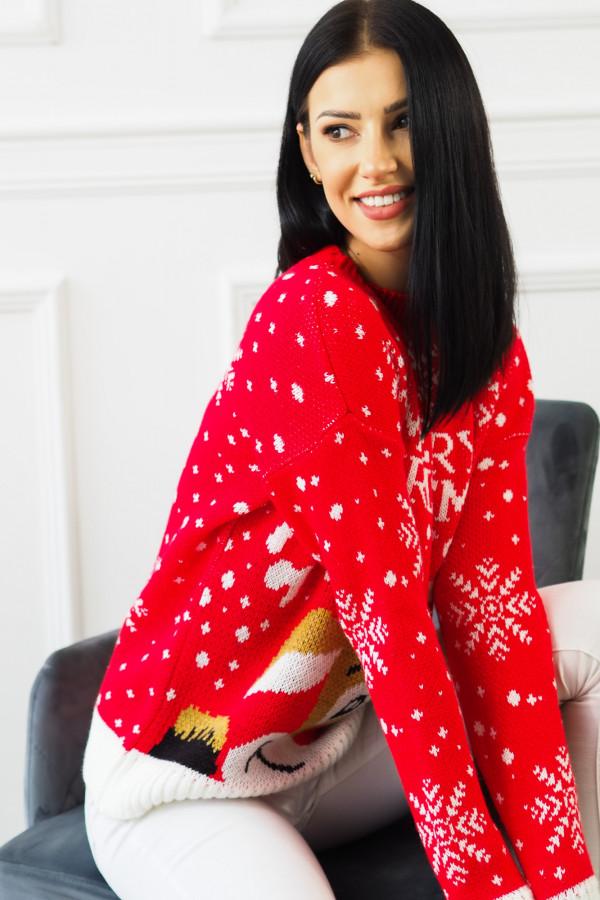 Świąteczny czerwony sweter z reniferem 7