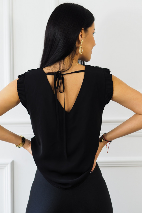czarna bluzka z falbankami reyna 1