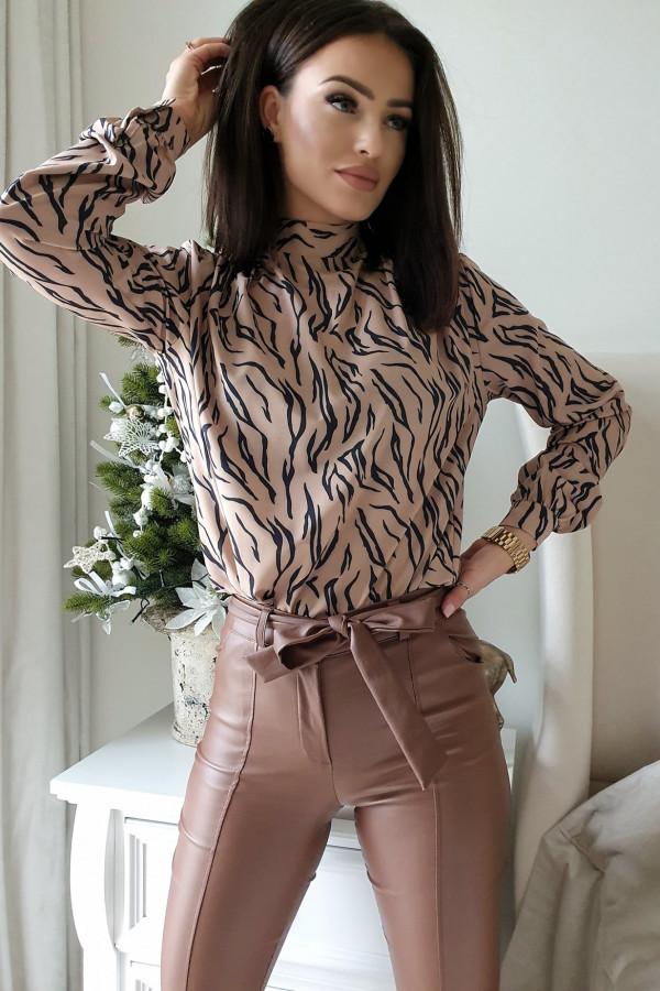 woskowane brązowe spodnie wiązane 2