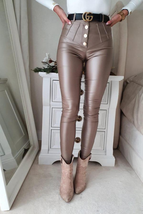 spodnie woskowane mocca z guzikami II 3