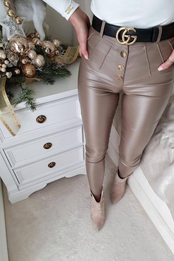 spodnie woskowane mocca z guzikami II 2