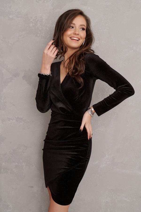 czarna sukienka zamszowa rocki