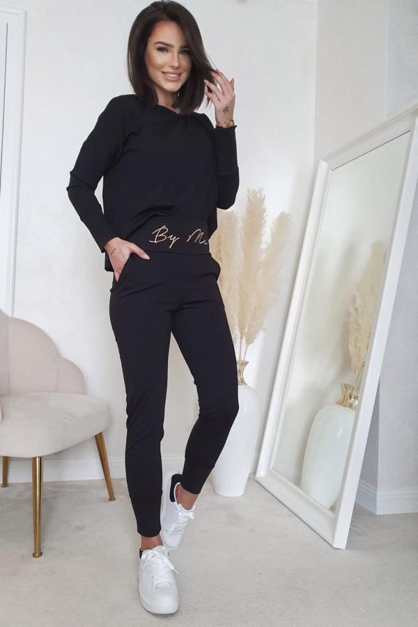 Komplet czarny z bluzą i spodniami by me