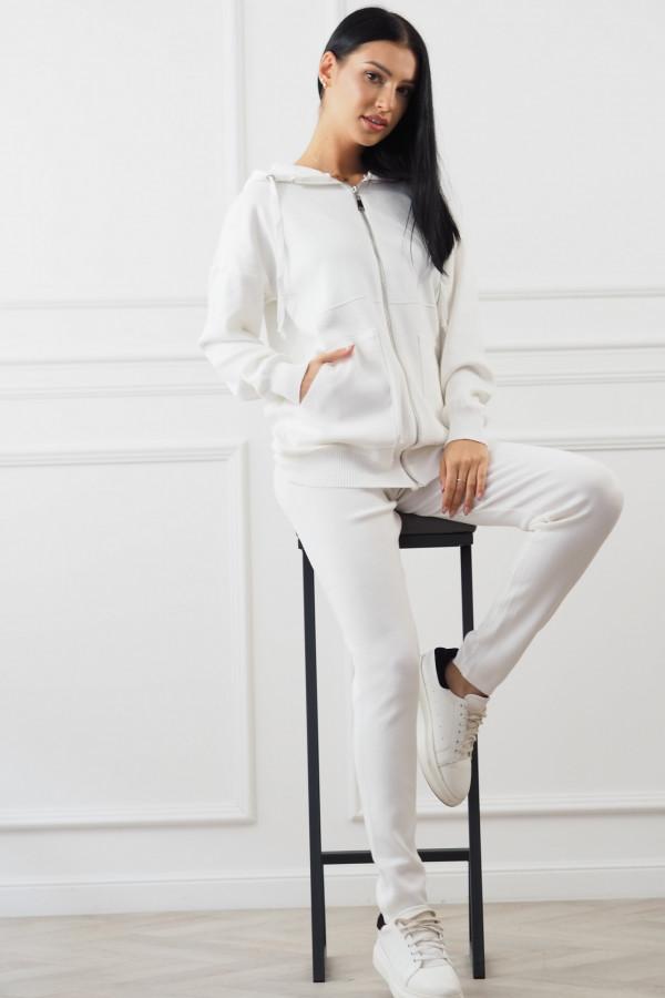 Biały komplet z rozpinaną bluza Daniela 4