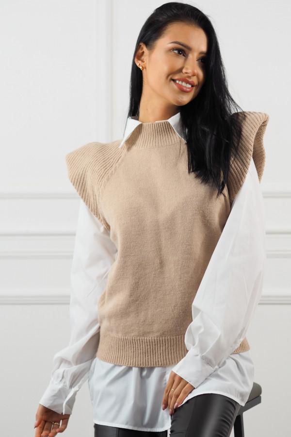 Beżowy bezrękawnik z białą koszulą Lucia 5