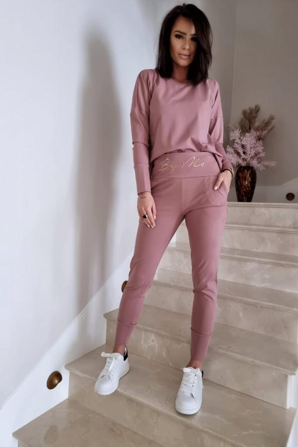 Komplet różowy z bluzą i spodniami by me 3