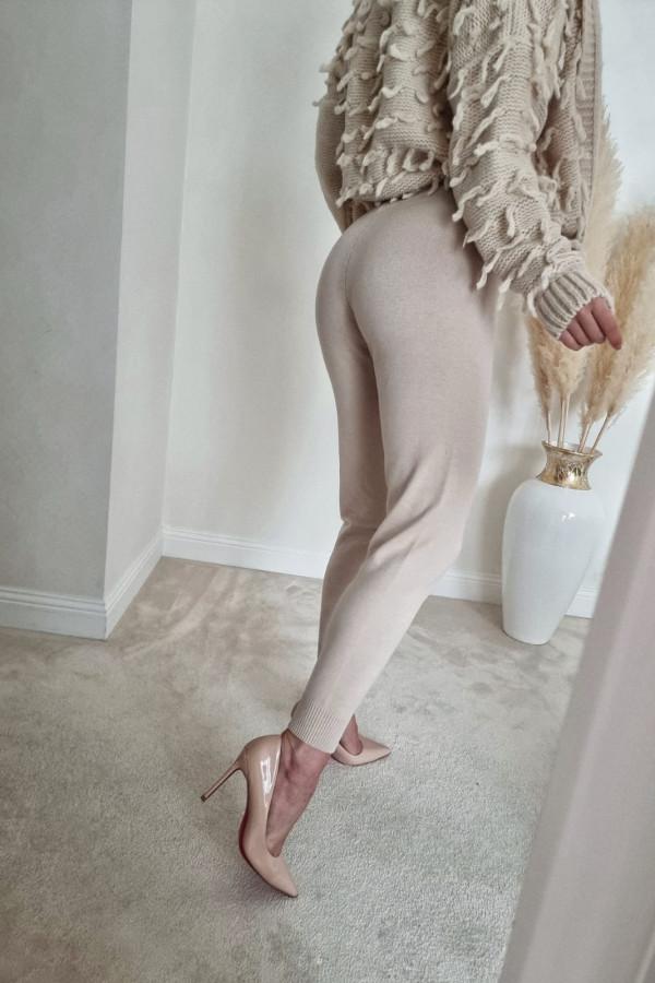 Spodnie dresowe beżowe Eline 2