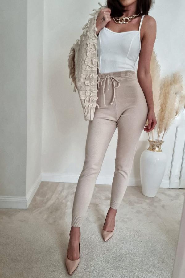 Spodnie dresowe beżowe Eline 3