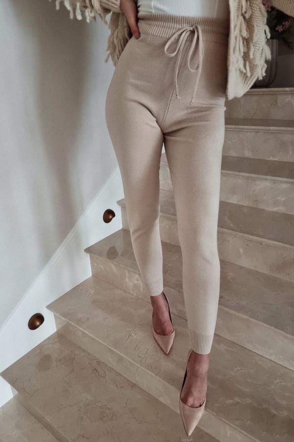 Spodnie dresowe beżowe Eline 1