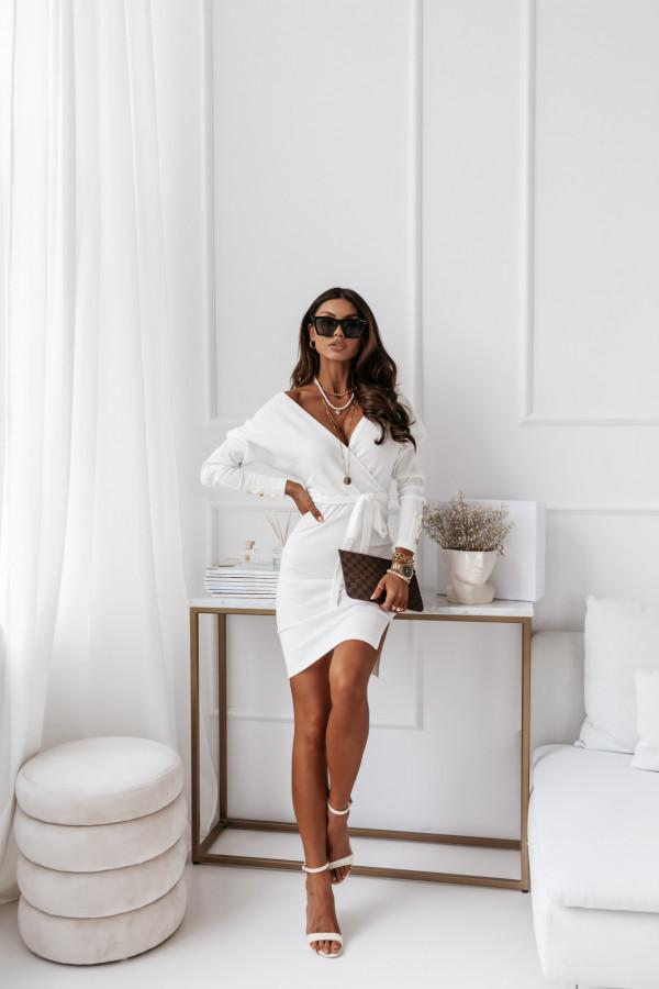 Sukienka biała z paskiem 1