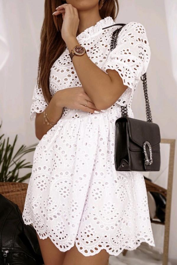 Ażurowa sukienka biała