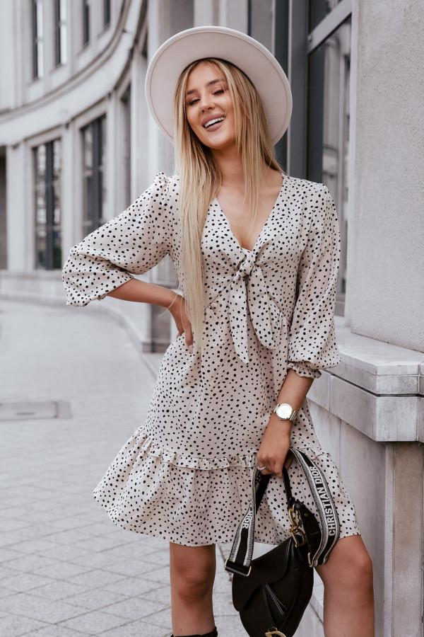 Sukienka z wiązaniem 1