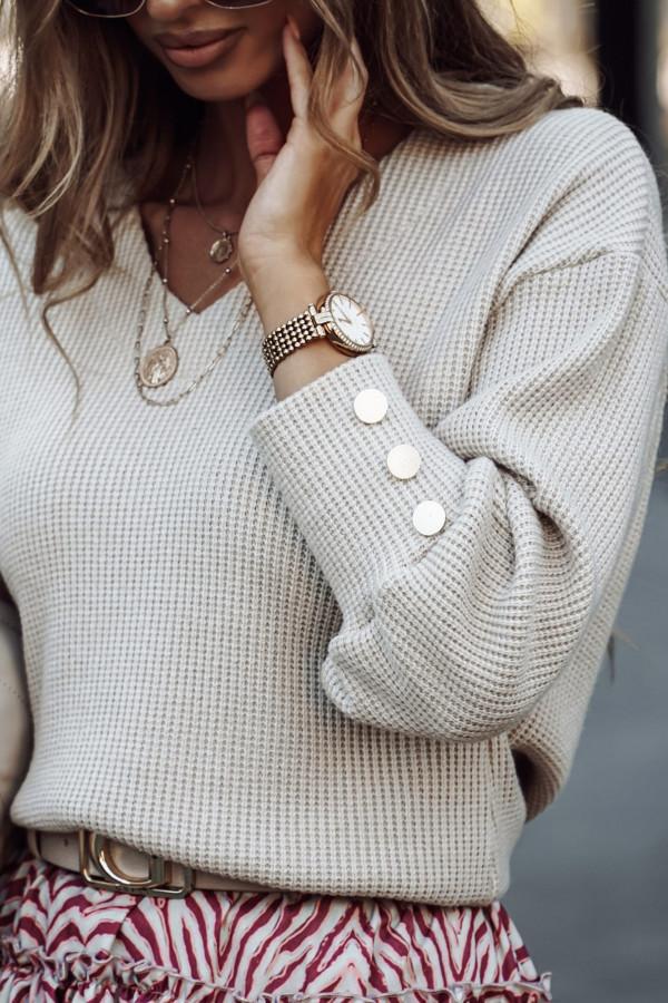 sweterek z ozdobnymi guzikami