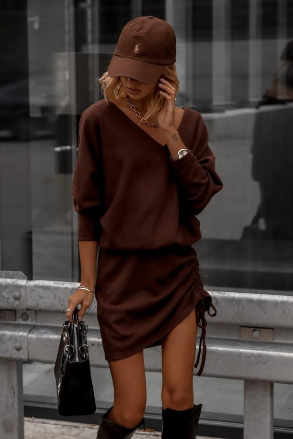 Sweterkowa sukienka z regulowana długością
